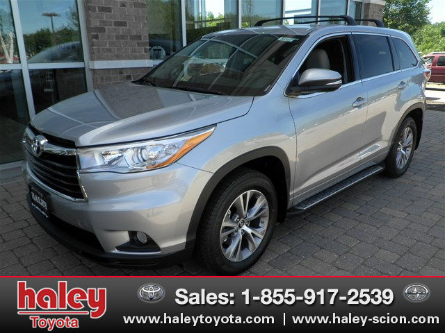 new 2016 toyota highlander le plus v6 suv in midlothian h56567 haley toyota of richmond. Black Bedroom Furniture Sets. Home Design Ideas